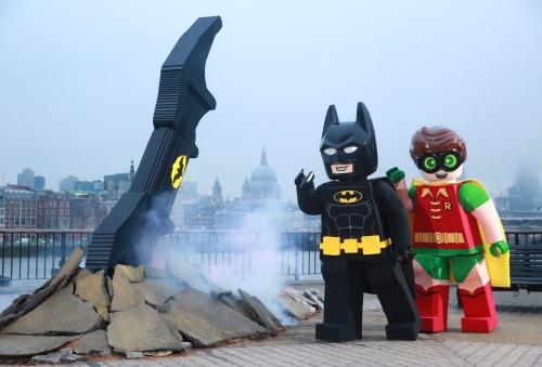 batarang-with-batman-and-robin