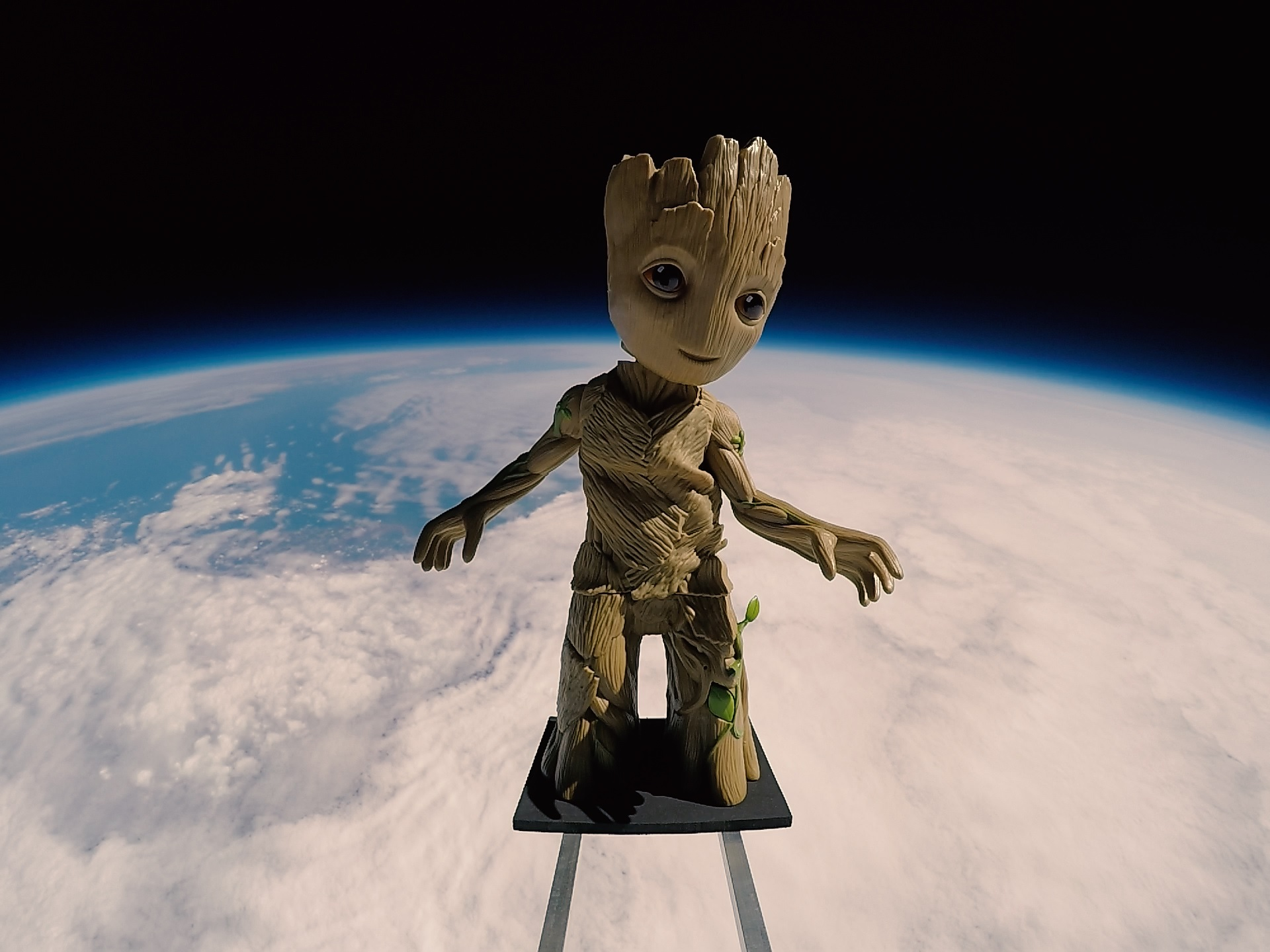 Baby Groot in Space.jpg